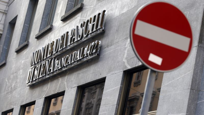 Italy Seeks to Borrow 20 Billion Euros to Prop Up Banking Sector