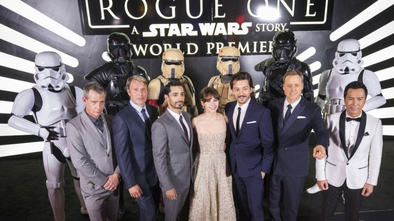 Audience's Reaction at 'Rogue One' Premiere: Wild Applause