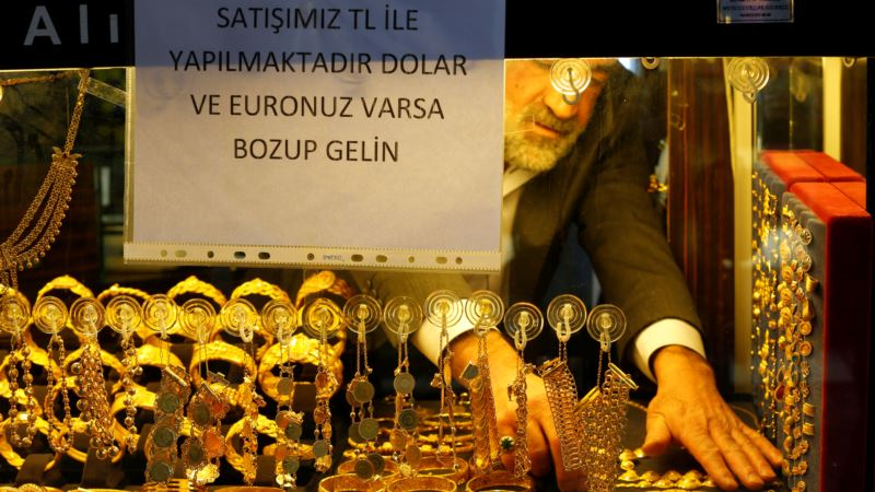 Patriotic Turks Offering Free Fish, Tombstones, Haircuts to Prop Up Lira