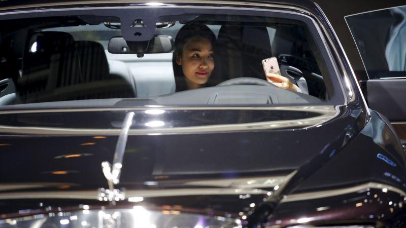 China Slaps Extra 10 Percent Tax on Luxury Cars