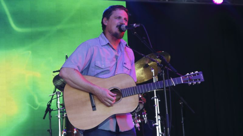 Country Rebel Sturgill Simpson Awed by Grammy Nomination