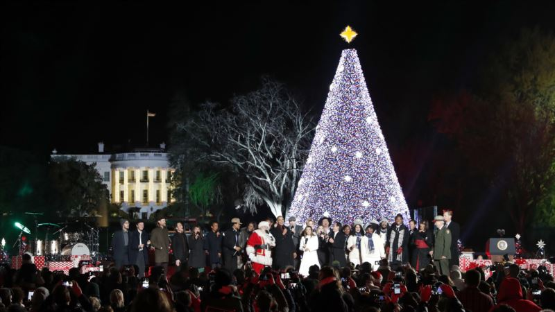 Religious, Cultural Elements of Christmas Resonate With Americans