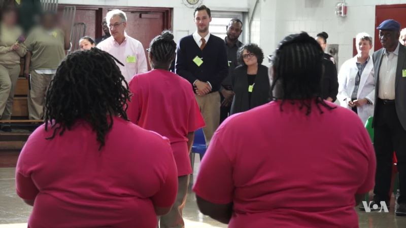 US Jail Inmates Find 'Humanity' Through Acting