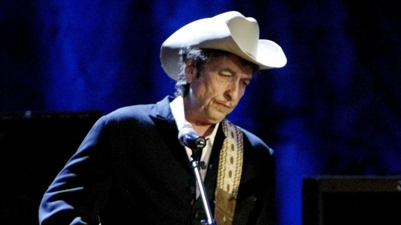 Dylan Writes Nobel Prize Fest Speech; Patti Smith to Sing