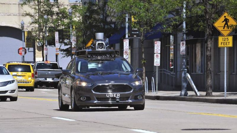 Uber Driverless Cars Reportedly Run Red Lights in San Francisco