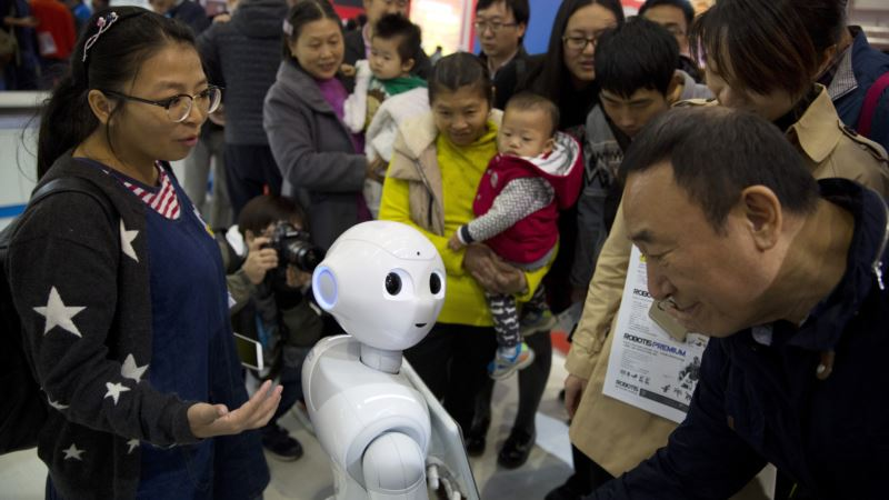 Robot Pepper Amuses Shoppers, But How Practical Is It?