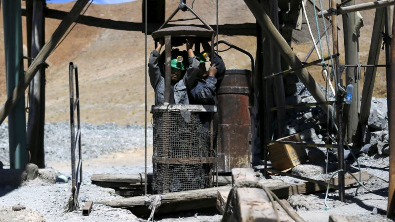 Chilean Copper Firms Look at Reworking Contracts to Tap Renewable Energy