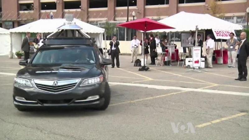 Automaker Tackle Self-Driving Car Crash Avoidance