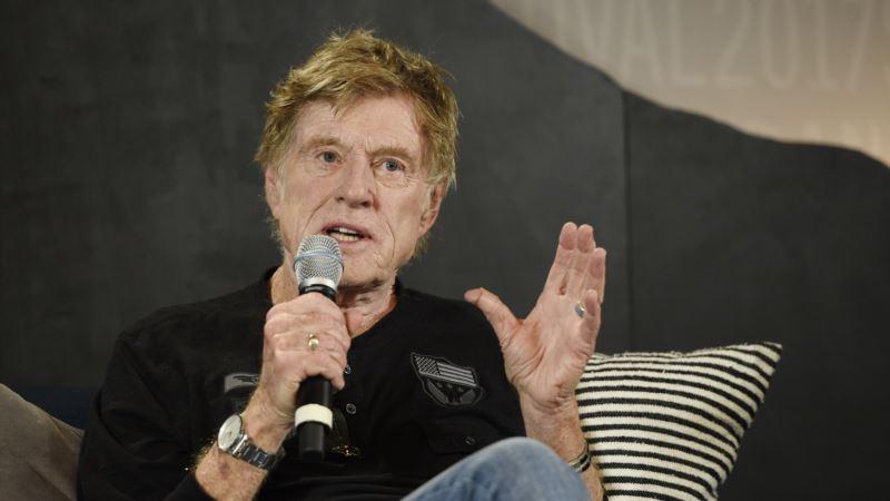 Redford Avoids Politics as Sundance Opens on Eve of Trump Festivities