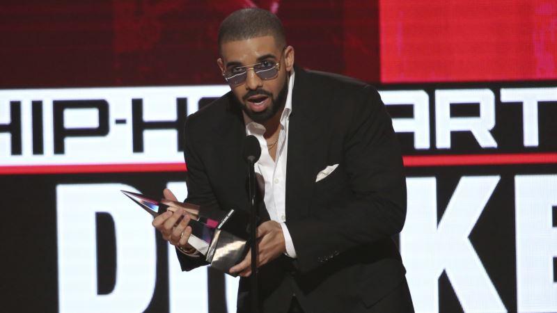 Drake Pays Tribute to Obama by Sharing Face Mashup Meme