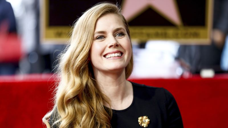 Amy Adams Makes her 'Arrival' on Hollywood's Walk of Fame