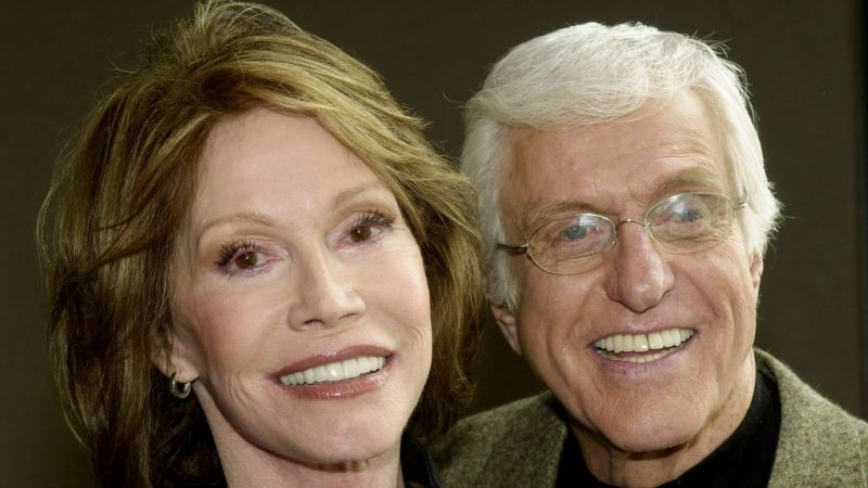 Mary Tyler Moore Brought More Than Funny to Sitcom Roles