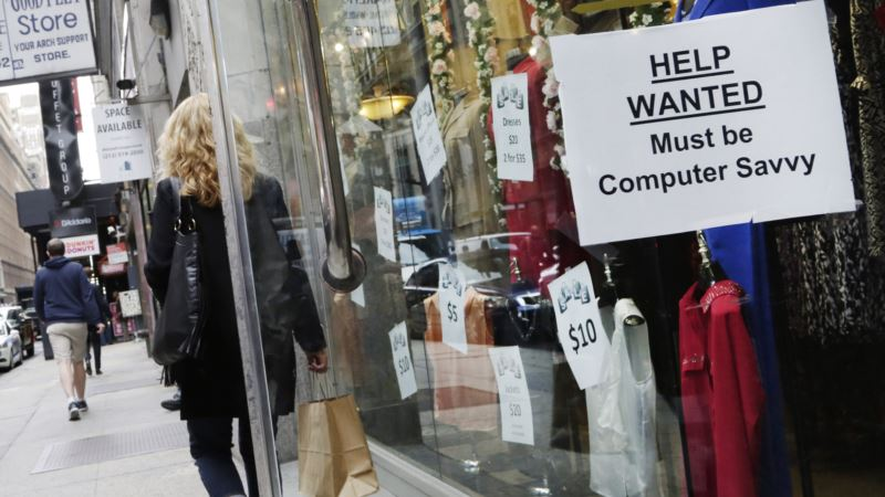 Last Jobs Report for Obama Likely to Extend Growth Streak