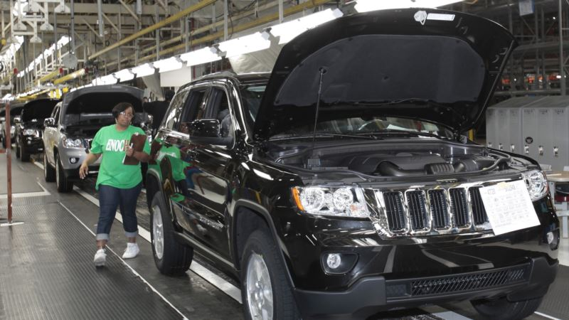 Auto Executives, with Eye on Trump, Highlight US Investments