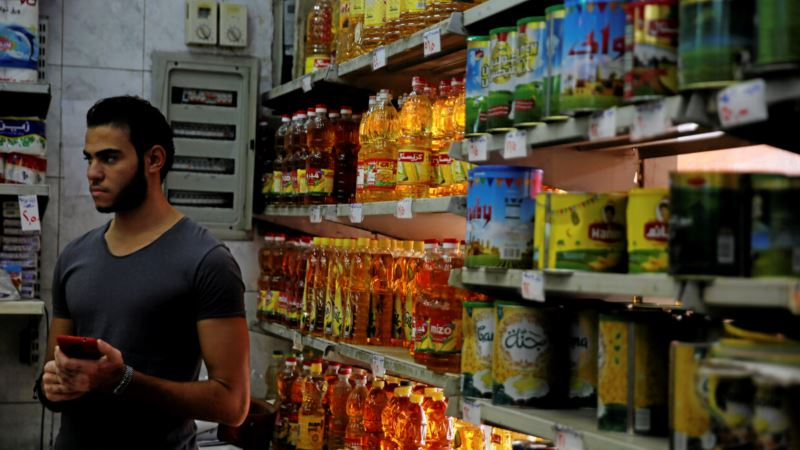 Egyptians Unimpressed by Sissi's Promise of Economic Recovery