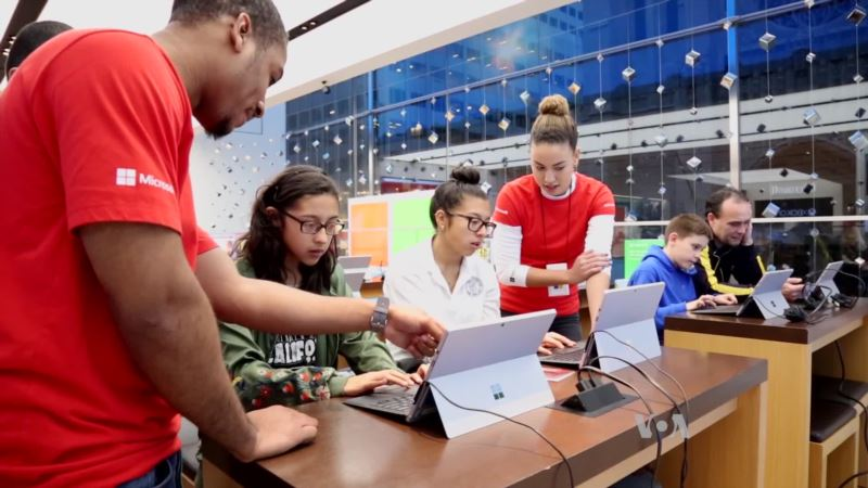Students Gather in US, Abroad to Learn 'Universal Language' of Coding