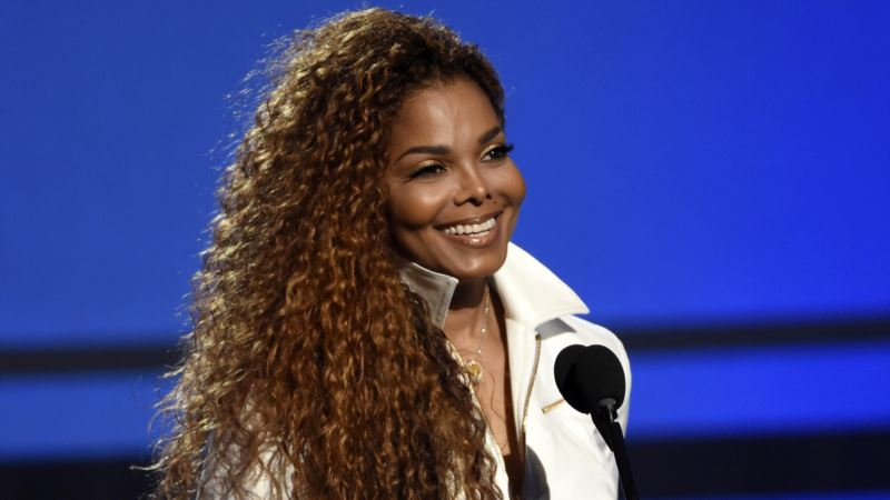 Janet Jackson, Husband Welcome Son
