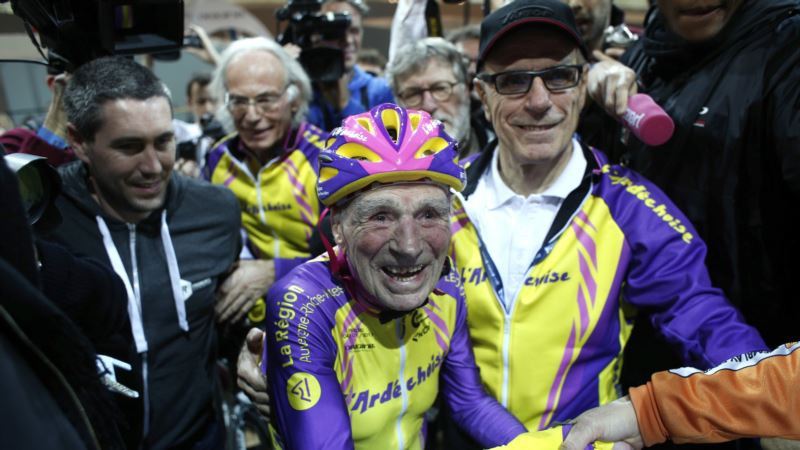 105-year-old Frenchman Sets Cycling World Record