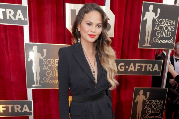 Exclusive: An Up-Close Look At Chrissy Teigen's SAG Awards Beauty Look