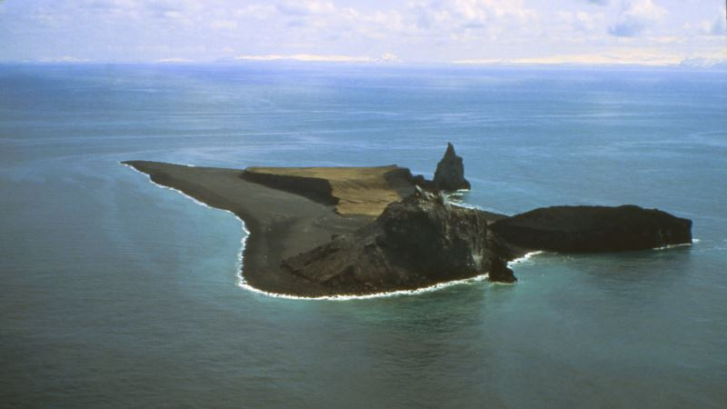 Alaska's Busy Volcano: Seawater, Magma Figure in Eruptions