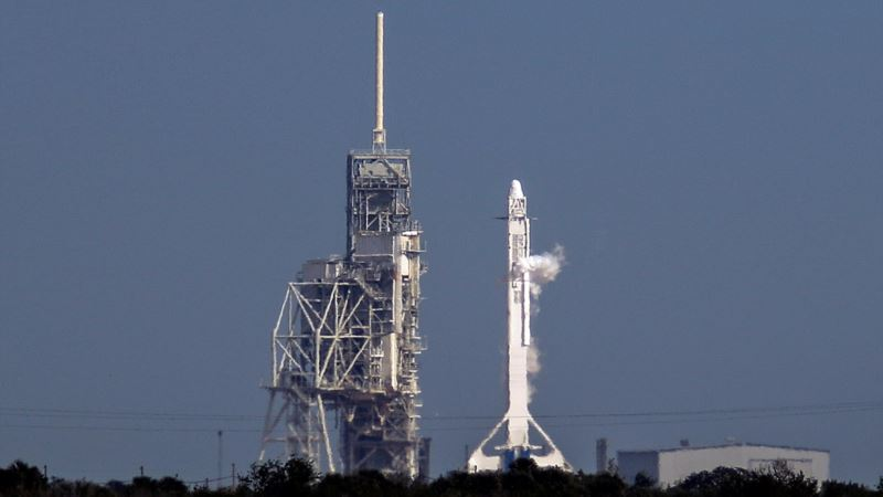 SpaceX Scraps Rocket Launch Seconds Before Planned Liftoff