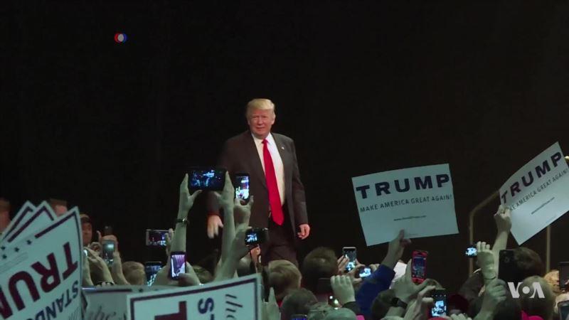 Moody's Economist Sticks to His Prediction: Trump Bad for Economy