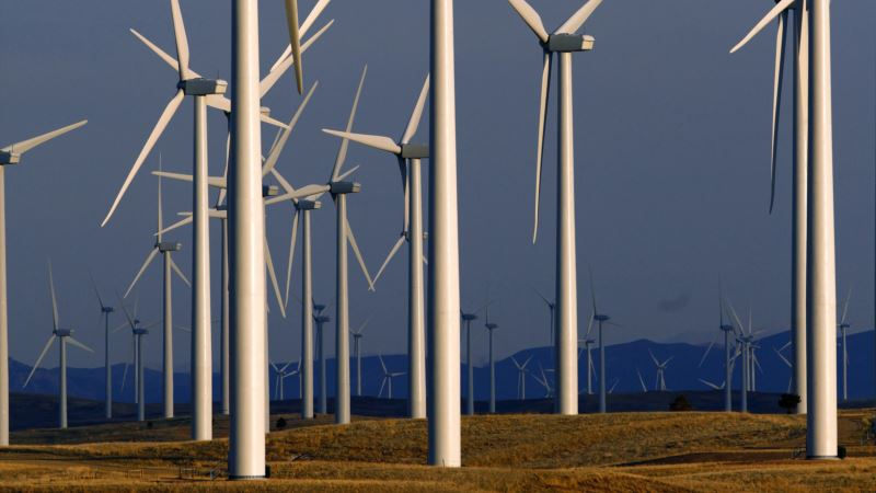 Wind Passes Water as Renewable Energy Source