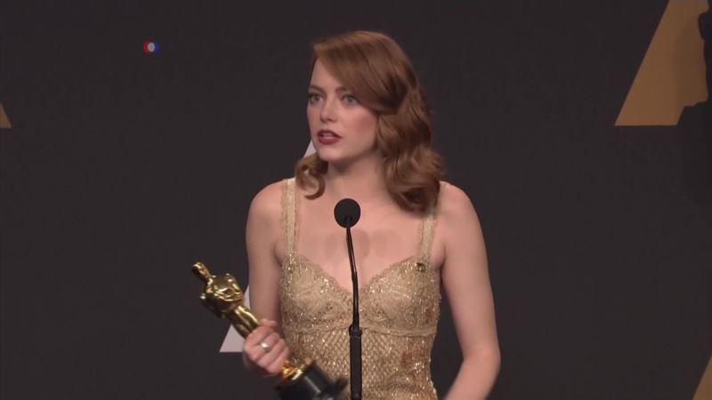 La La Land, Moonlight Win Top Oscar Honors