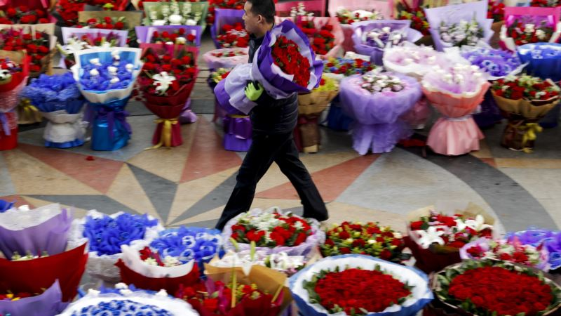 Valentine's Day Has Murky Origins, Some Fans and Some Enemies