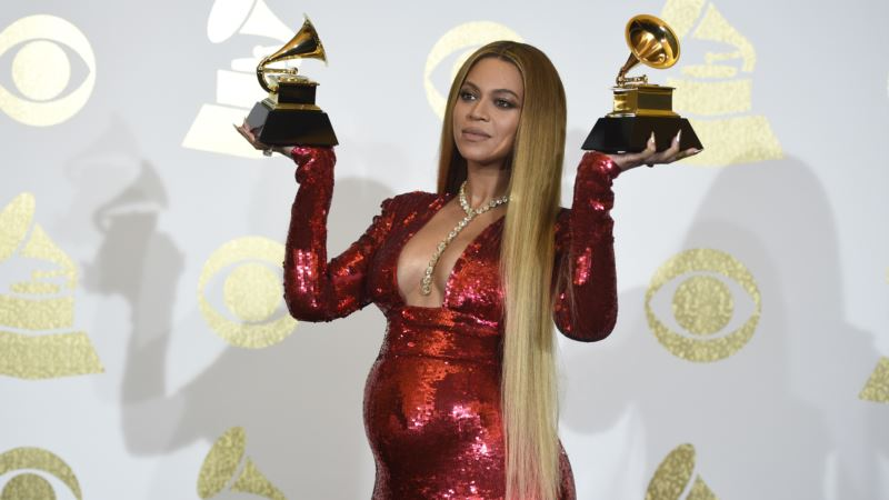 Pregnant Beyonce Pulls Out of Coachella Music Festival