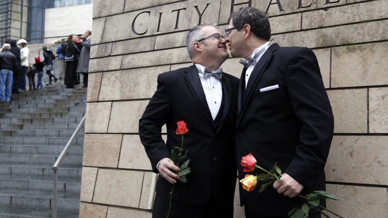 Study: Teen Suicide Attempts Fall After Same-sex Marriage Made Legal