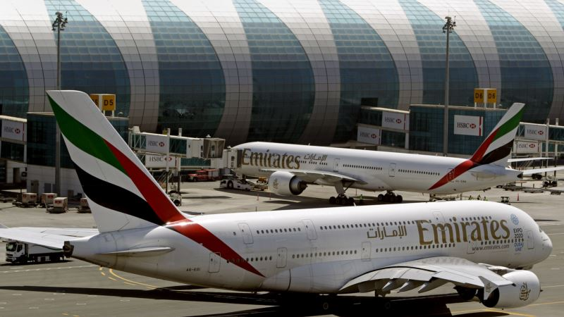 Free WiFi Touted as Airlines Grapple with Laptop Ban