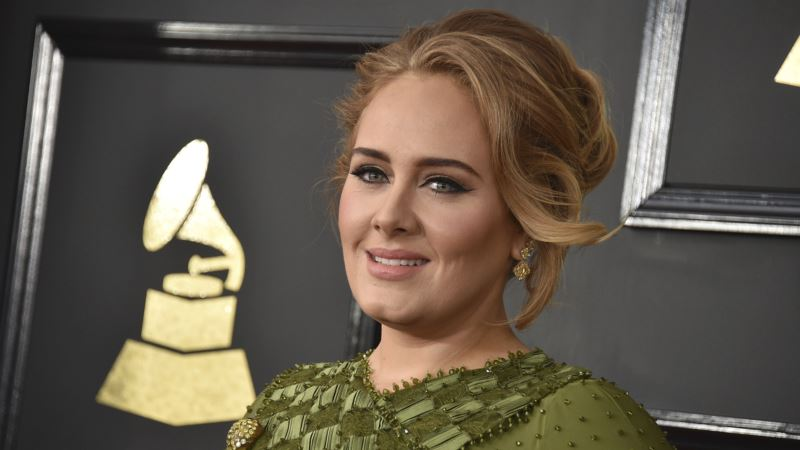 Adele Confirms Marriage to Partner Simon Konecki