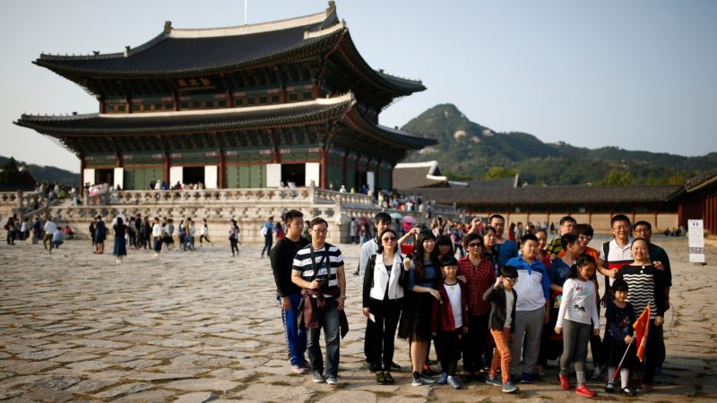 South Korean Stocks Fall on Fears of Chinese Tourism Ban