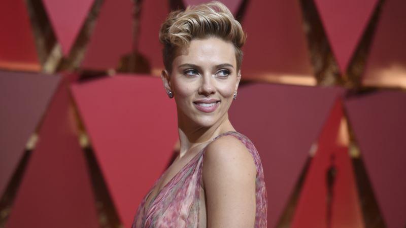 Scarlett Johansson Files for Divorce from Romain Dauriac