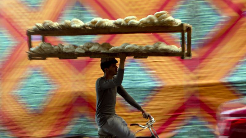 Fearing Cuts to Bread Subsidy, Egyptians Protest