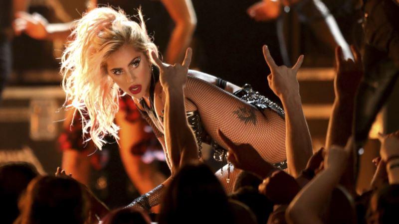 Lady Gaga Replaces Pregnant Beyonce at Coachella Music Festival