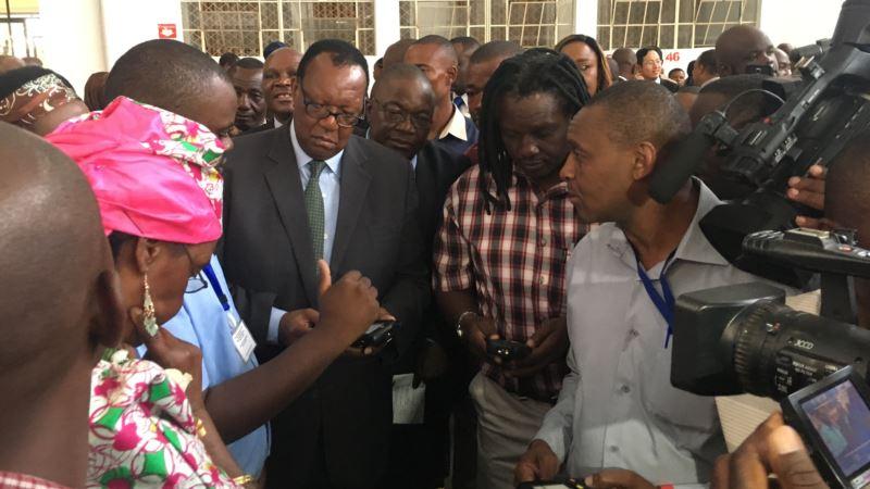 Zimbabwe Hopes Tobacco Will Revive Battered Economy
