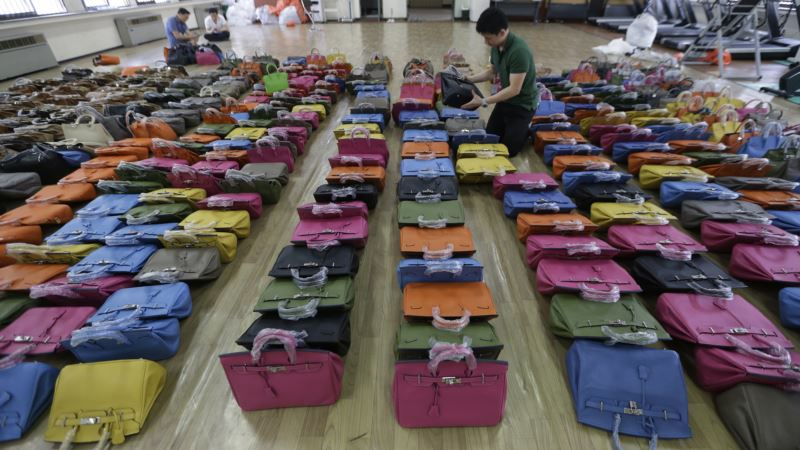 Economic Report Predicts Rise in Global Counterfeiting, Piracy