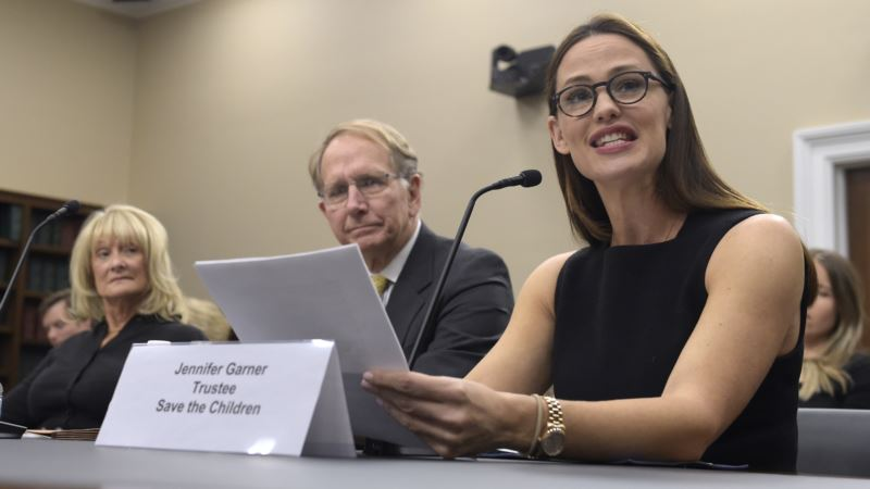 Actress Jennifer Garner Calls for Congress to Boost Education Funds