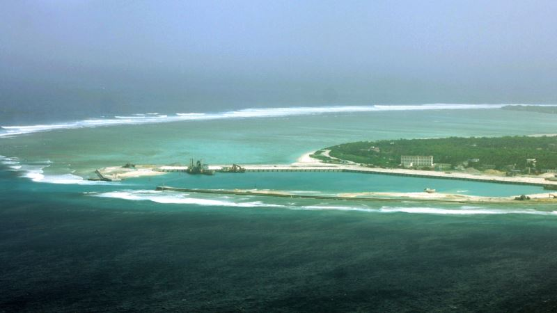 Rival Nations Dabble in South China Sea Tourism Despite Risks