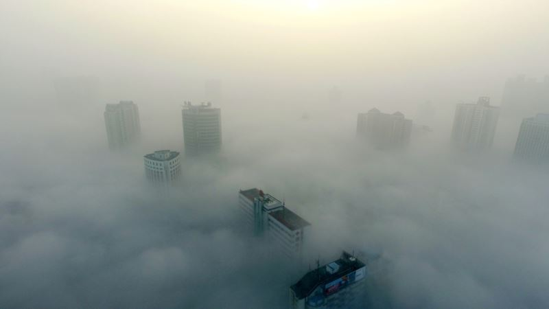 China Vows Blue Skies Despite Economic Challenges