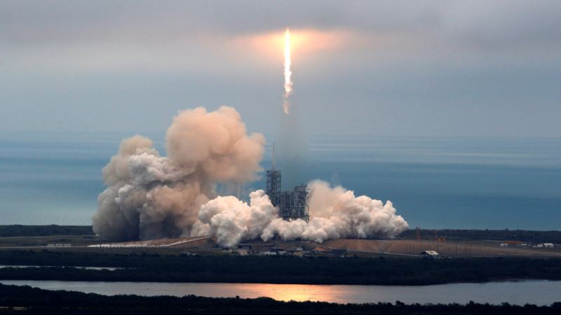 SpaceX Close to Fielding Rocket Robot