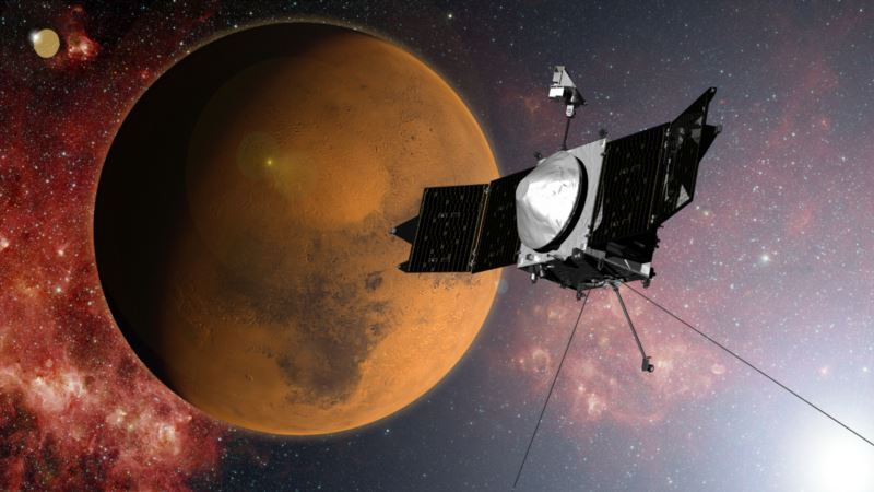 NASA Mars Satellite Shifts Course to Avoid Hitting Planet's Moon