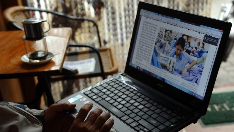 US Media: Terrorist Groups Are Testing Laptop Bombs