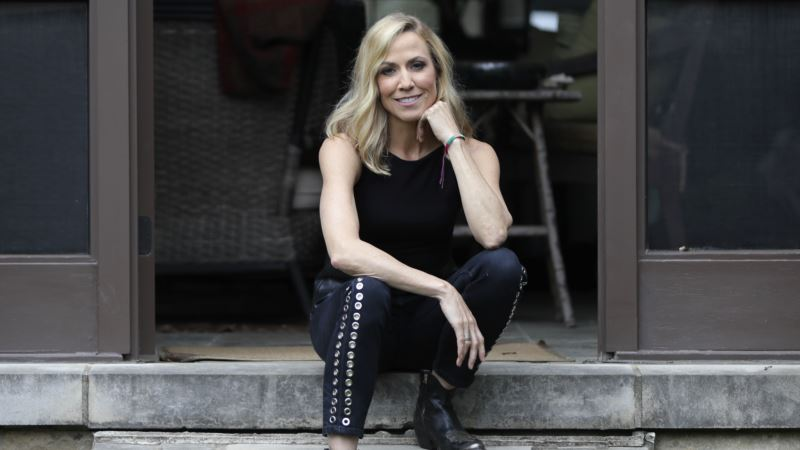 Sheryl Crow Argues for Return to Empathy on New Album