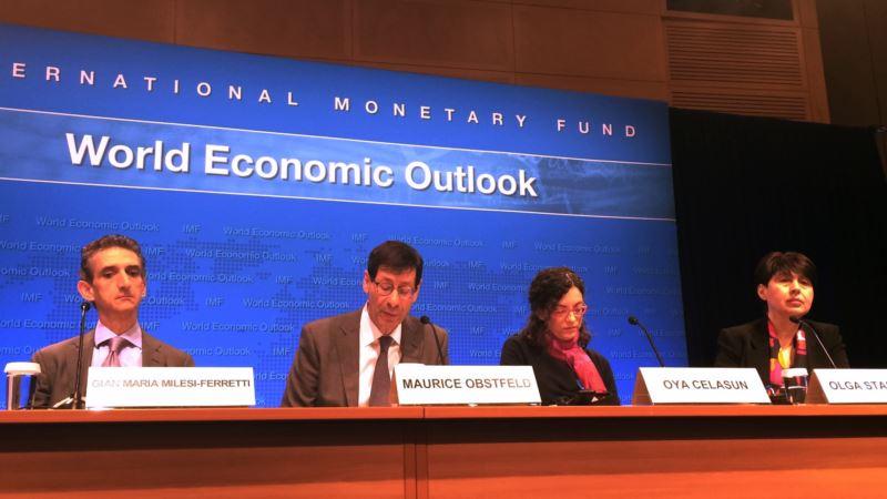 IMF: Global Economic Growth Speeds Up a Bit