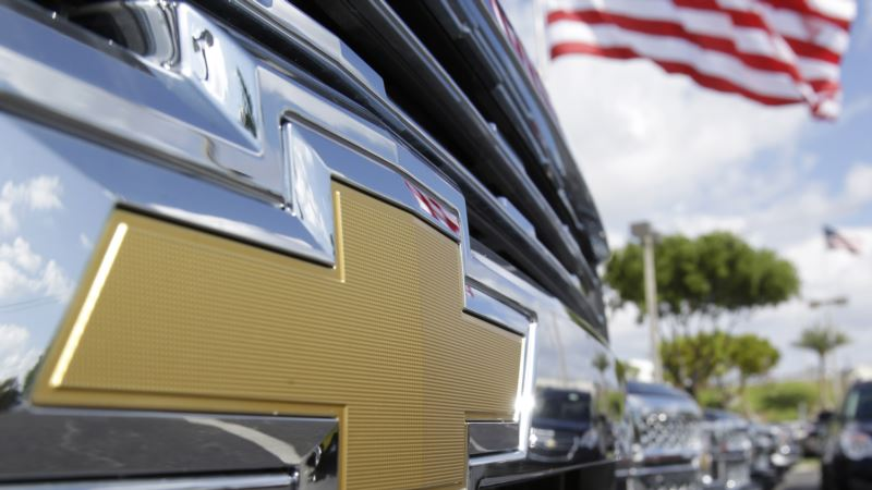 Trump Jobs Demands Force Automakers into Political Conflict