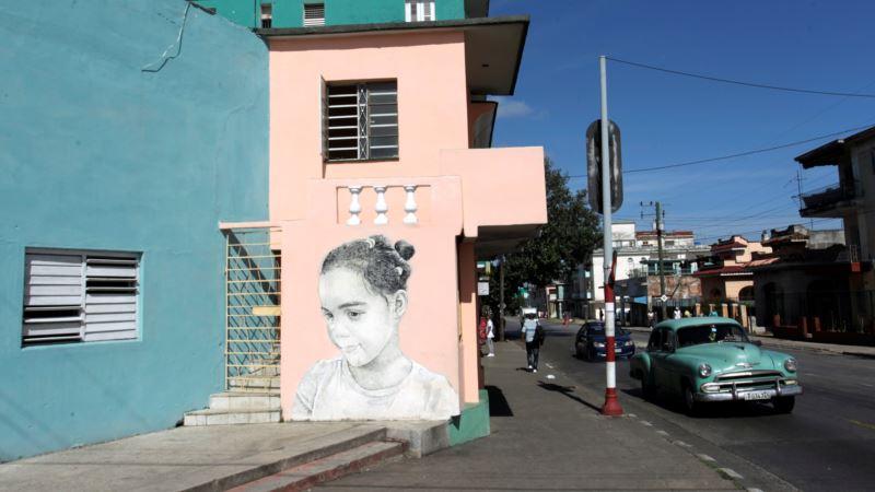 Murals of Wide-eyed Children Bring Havana Walls to Life