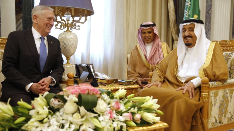 Saudi Arabia Restores Perks for Military, Civil Servants